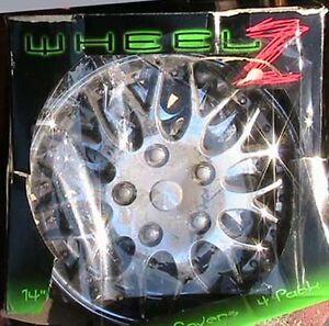 Toyota plastic wheel cap