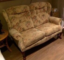 Sherborne Buckingham 2 seater settee great condition