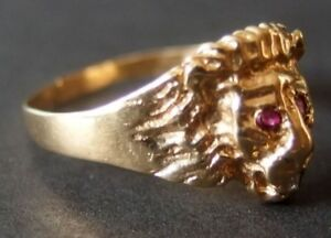 14Kt Yelow Gold Ruby and Diamond Lion Ring