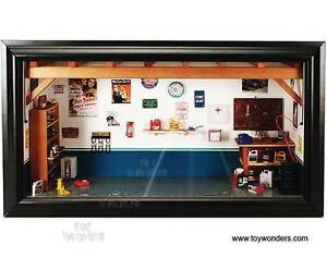 Motor-City-Classics-1-18-Garage-Diorama-MIB-Awesome-Detail-Can-be-wall-hung
