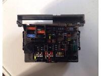 BMW POWER DISTRIBUTION FUSE BOX 9119444-03