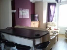 Excellent 5 bed University House for immediate Rent **9 MONTH CONTRACT**
