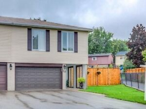 Charming And Cozy 3 Bdrm Home Fully Renovated, Open-Concept