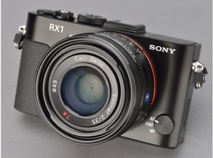 Sony RX1 full frame 24 MP digital with Ziess 35 f2 lens