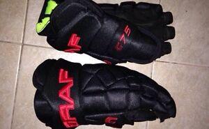NEW Men's hockey gloves  Cambridge Kitchener Area image 1