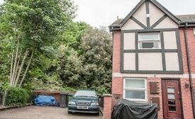 3 BED HOUSE , DRIVEWAY, ST LEONARDS, BY THE HOURGLASS/ QUAY