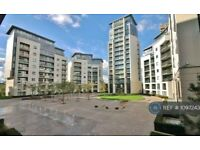 1 bedroom flat in Pump House Crescent, Brentford, TW8 (1 bed) (#1097243)