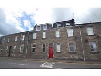 TO LET - 70B Priory Lane, Dunfermline, Fife, KY12 7DT - spacious lovely 1 bed flat rent garden- £425