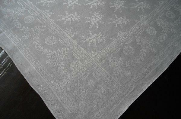 Vintage Set 5 Irish Linen Damask Lapkin Napkins Lily of Valley Deco Floral