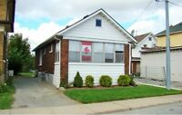 HOUSE IN TOURIST DISTRICT AREA OF NIAGARA FALLS FOR SALE