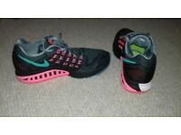 Nike Zoom Structure 18 (D Width) size 5.5