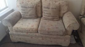 Sherborne rise and recline x2 living room chairs and sofa set Collect from Canvey Island
