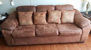 Matching set Serta couch and recliner like new