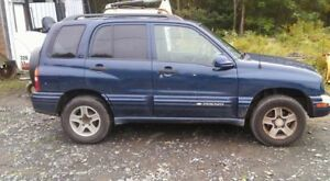 2004 Chevrolet Tracker SUV, Crossover