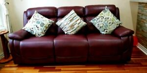 Air Leather Reclining Power Sofa-Excellent Condition !