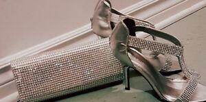 Sandales et sac à main