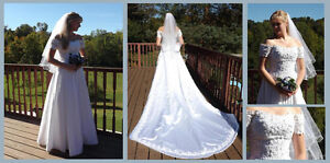 Off-the-shoulder Wedding Gown, detachable train, white