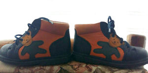 Leather Bear Boots - handmade in portugal size 6 or 7 EU size 23