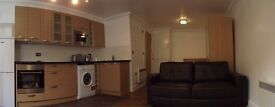 Large Studio Flat, 7 minutes away from Dalston Junction Station direct from Landlord £1100pcm!!!