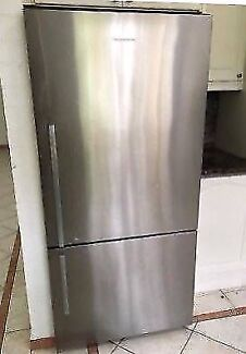 Large Silver Stainless Steel FISHER PAYKEL FRIDGE FREEZER 520L