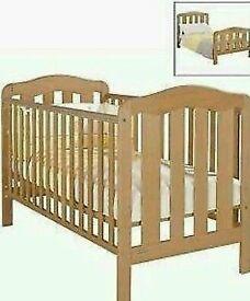 Mamas & Papas Lucia cot bed/junior bed
