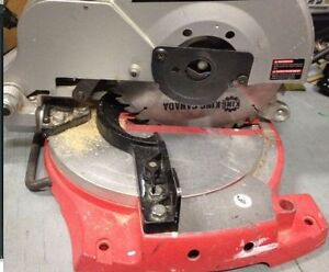 Scie (Compound Mitre Saw)