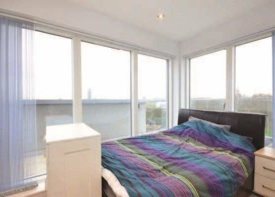 ** MODERN, FURNISHED 3 BED APARTMENT WITH TERRACE NEAR GREENWICH, SE8, SE10, VACANT!! - YC