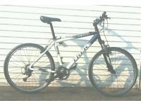 Trek 4300 aluminium frame hybrid bike