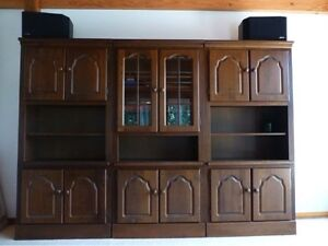 European Oak wall units and entertainment unit Palm Beach Pittwater Area Preview