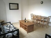 ***HOXTON: Bright, Split Level 3 Bed Flat***
