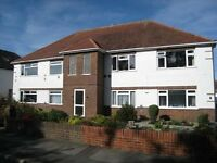 VERY SPACIOUS& MODERN UNFURNISHED 2 DOUBLE BED FIRST FLOOR FLAT WITH PARKING & GARDEN IN QUEENS PARK