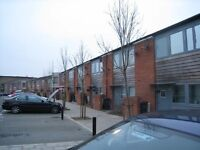 Large 2 double bedroom house with garden to rent in Colindale