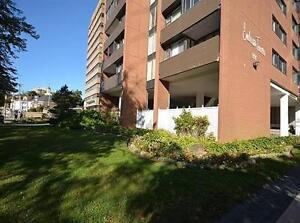 Unit 306 Close to Universities and Shopping