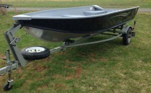 2012 G3 Aluminum Boat Guide V14, galv. trailer