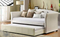 BEAUTIFUL LEATHER DAY BED/SOFA WITH TRUNDLE BRAND NEW ON SALE