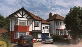 Large 4/5/6 bed house in Hendon on Greyhound Hill / More pictures on request / part furnished