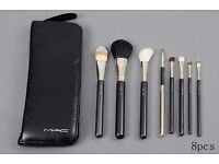 BRAND NEW MAC MAKEUP 8 PCS BRUSH SET WITH CASE