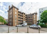 HUGE 3 BED FLAT IN BOROUGH SE1 AVAILABLE MID AUG £500PW!!! STUDENTS WELCOME