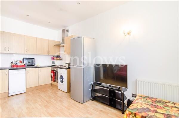 Stylish two bedroom flat moments from Earls Court tube station and local amenities.