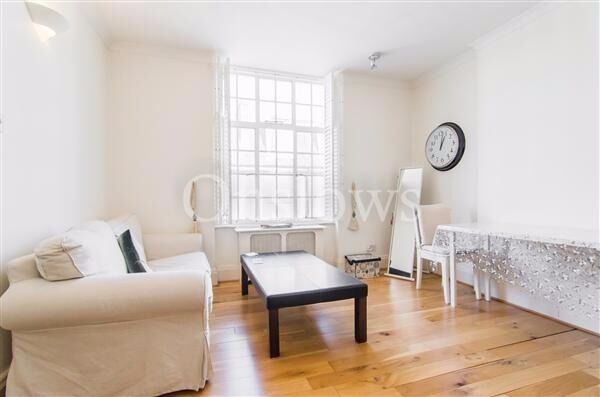 Great size, bright and airy studio flat