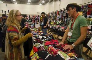 Sales Staff required 4 T-shirt vendor @ Fan Expo Van -Nov 11-13 Downtown-West End Greater Vancouver Area image 2