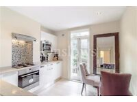 Modern raised floor flat with huge storage space and great outdoor space in SW10