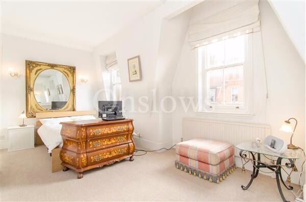 Beautiful studio apartment moments from Sloane Square, Chelsea!