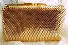 WANTED: Glomesh wallet Frenchville Rockhampton City Preview