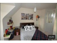 Double Room with Ensuit For Rent £110 with Bills per week - No DSS Please