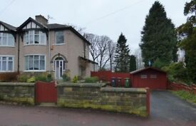 3 bedroom semi - deatched house - Garden and garage