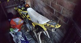 Yellow thumpstar 125