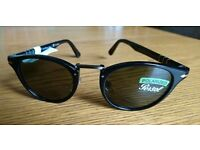 Persol Typewriter Edition 3072-S black plastic, green polarised lens Sunglasses for sale