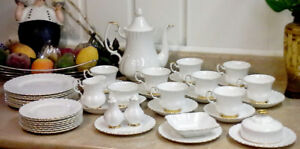 Royal Albert  Val D'or Collection Fine China 8 Pc. Place Setting