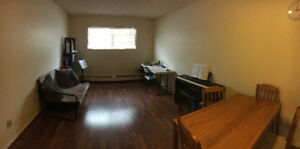 One Bedroom Apartment for Sublet on U of A Campus